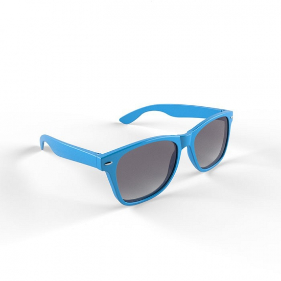 Hippe zonnebril met lichtblauw montuur