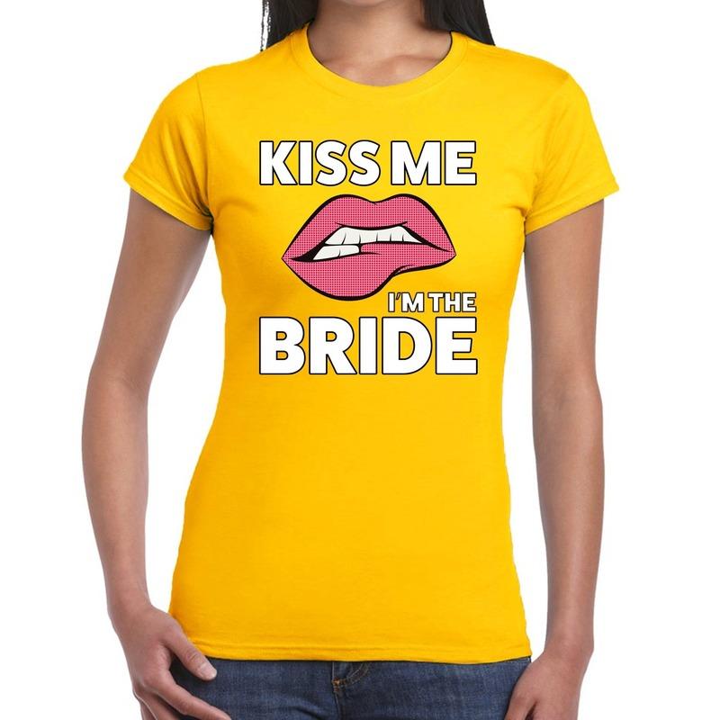 Kiss me I am the Bride t-shirt geel dames