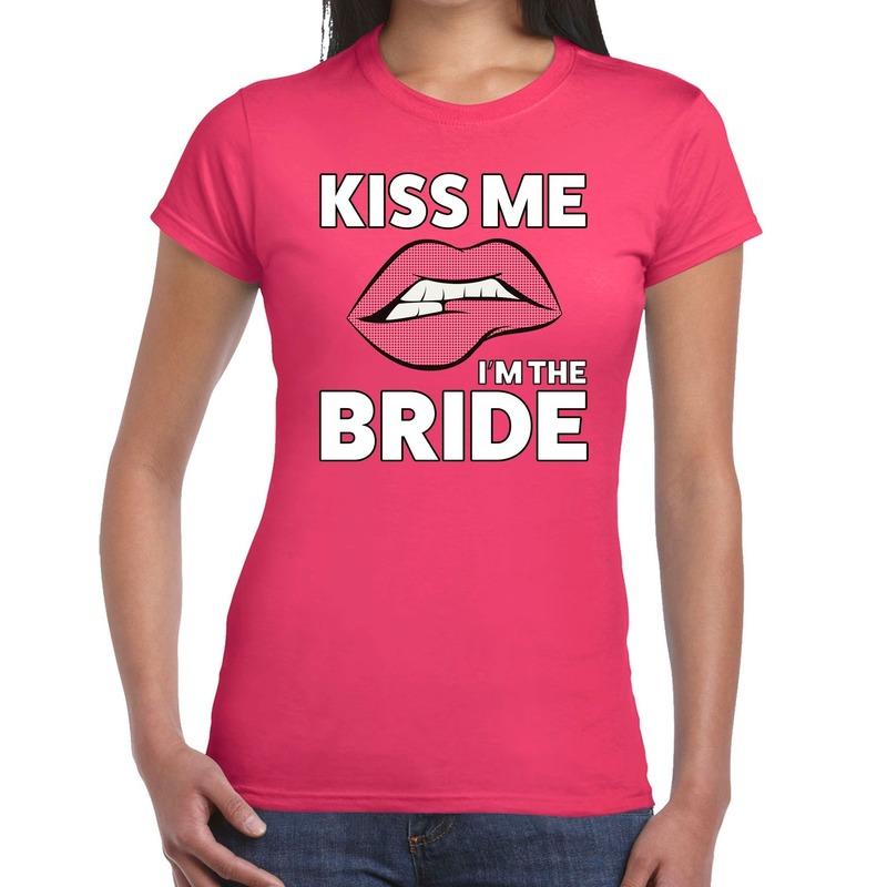 Kiss me I am The Bride t-shirt roze dames