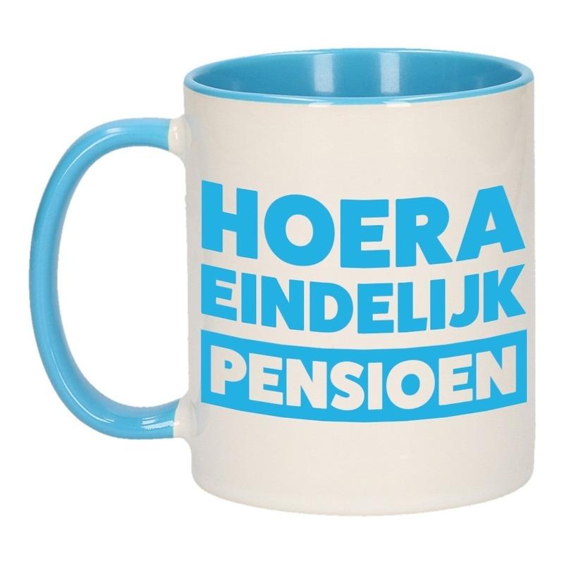Pensioen mok / beker blauw Hoera eindelijk met pensioen 300 ml