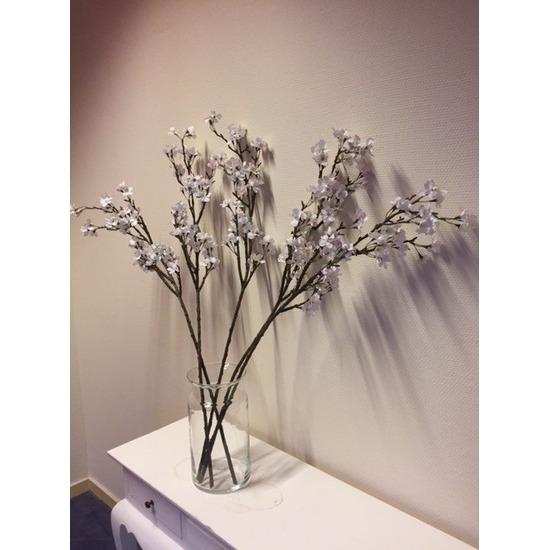 Vaas met 5 witte appelbloesem kunstbloemen takken 104 cm