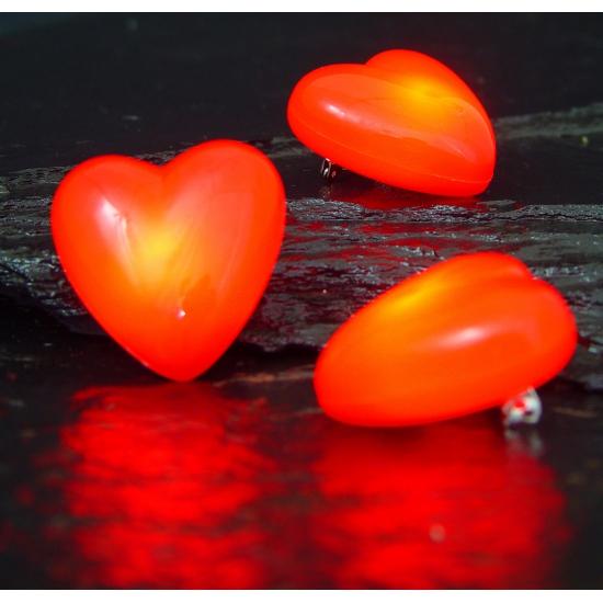 Valentijn - Hartjes broche met knipperlicht
