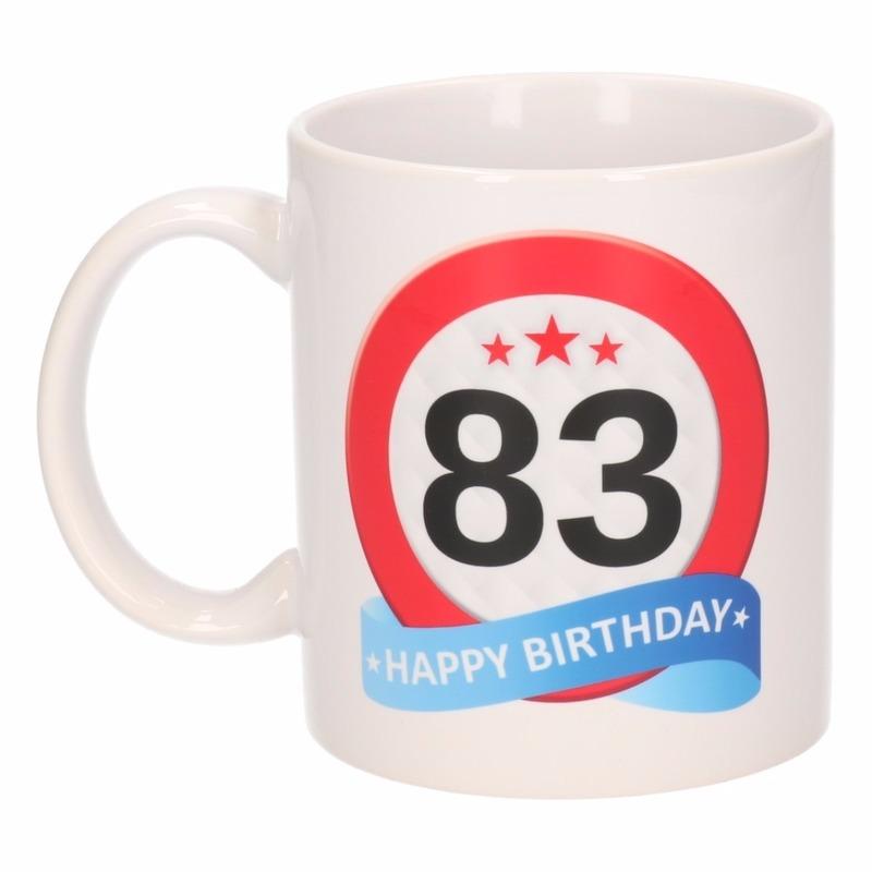 Verjaardag 83 jaar verkeersbord mok - beker