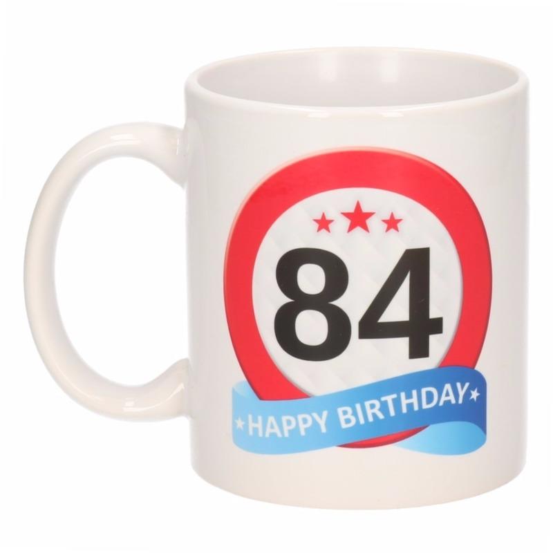 Verjaardag 84 jaar verkeersbord mok - beker