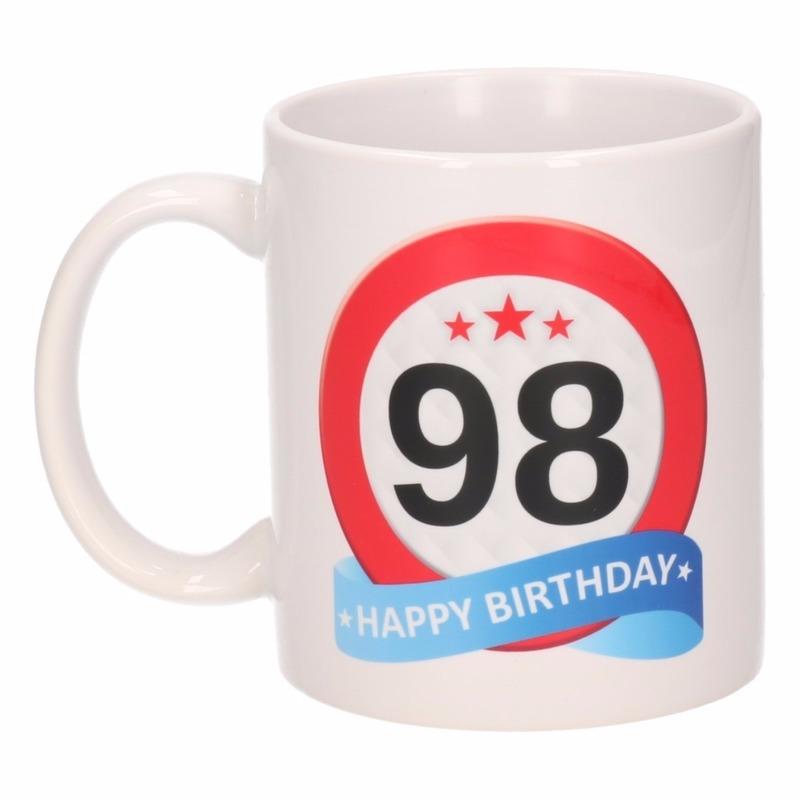 Verjaardag 98 jaar verkeersbord mok / beker
