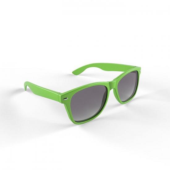 Hippe zonnebril met limegroen montuur